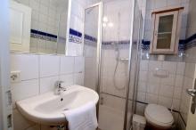 Bad im EG mit Dusche/WC